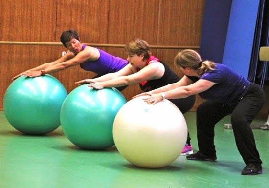 AGV Pernes Activités Fitball